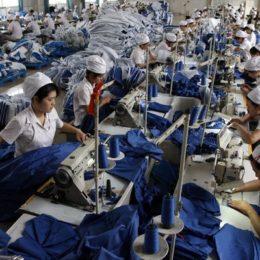 Как работают китайцы на заводе